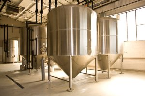 tours_brewery_tanks